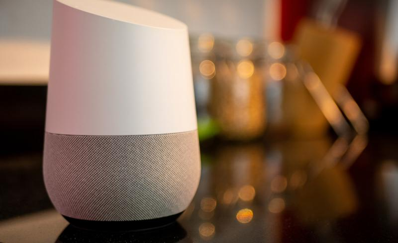 Altavoz inteligente con Google Assistant integrado